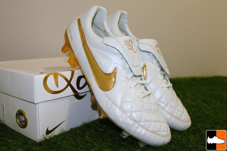 ... Colourway wise we are looking at a super classic colour scheme. A  creamy pearl white The Nike Tiempo Legend V ...